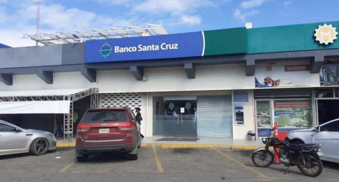 Dinero robado en sucursal Banco Santa Cruz de Santiago asciende de RD$2 millones