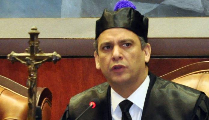 Rechazó las denuncias hechas en contra del presidente del organismo, Luis Henry Molina Peña, a quien se le atribuye supuestas relaciones de confianza entre personas que ocupan puestos del Consejo del Poder Judicial.