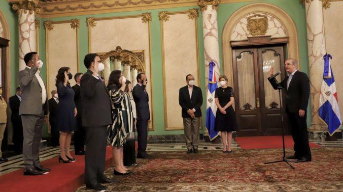 Abinader juramenta al Comité Gestor de los Voluntariados de las Instituciones Públicas
