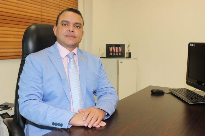 Director del Hospital Traumatológico Doctor Ney Arias Lora, doctor Julio Landrón