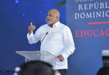 Ministro de Educación: Este mismo año habrá un retorno gradual a las aulas