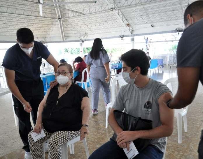 Solo vacunados completamente pueden dejar las mascarillas. FUENTE EXTERNA.