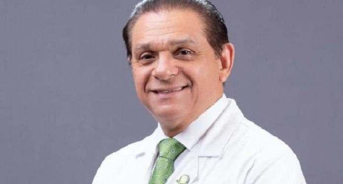 Ministro de Salud implora a los jóvenes que se vacunen