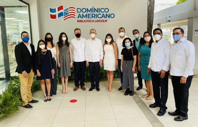 El acuerdo establece que el Gobierno dominicano, a través del MESCYT otorga diez becas conjuntas al Programa Fulbright en las áreas de Tecnología, Ciencias Básicas, Ingenierías, Educación, Ciencias Agroalimentarias y Medio ambiente.