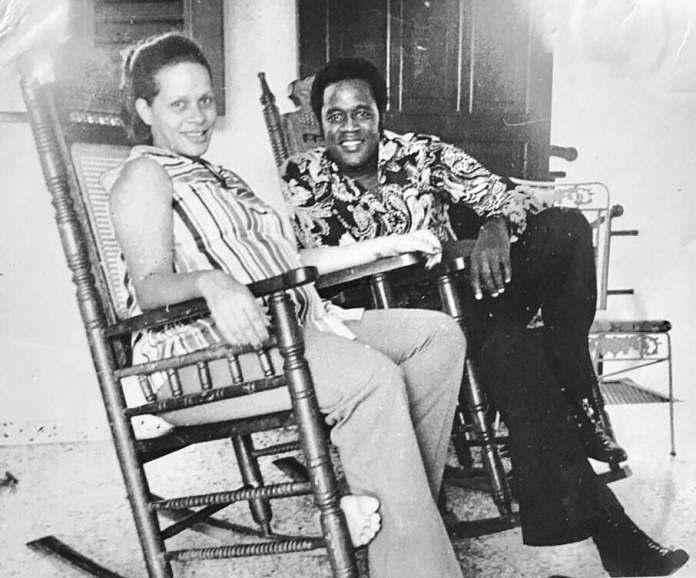 Johnny Ventura junto a su esposa Josefina en 1973. FUENTE EXTERNA