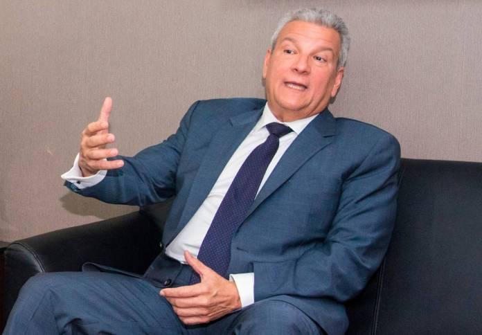 Lisandro Macarrulla vincula a políticos en campaña de difamación