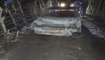Encuentran dos cadáveres en baúl de un vehículo en llamas en Cutupú, La Vega