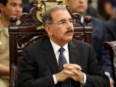 Danilo Medina expresa solidaridad con Francia por acto terrorista a Charlie Hebdo