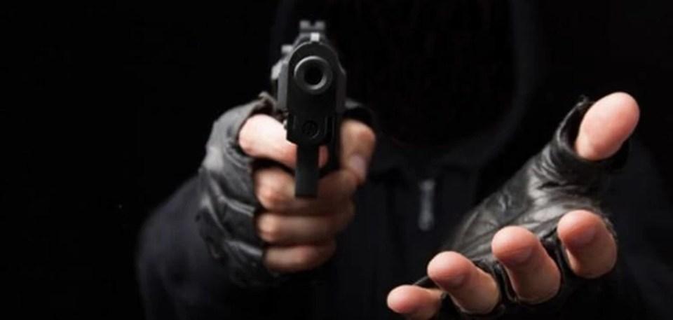oriente20_robo-atraco-asalto-pistola-photoscom