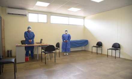Camas y equipos de oxígeno para la atención de pacientes con complicaciones respiratorias a causa del COVID-19