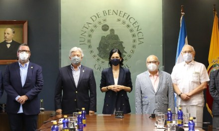 El personal de los hospitales Luis Vernaza y Roberto Gilbert será parte de la Fase 0 de vacunación COVID-19