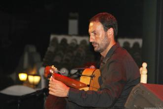 RAFAEL MARIANO A LA GUITARRA 16