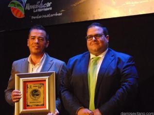 heladeria-jamaica-recibio-el-premio-de-manos-del-concejal-de-turismo-rafael-caballero-16