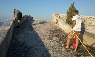 limpieza-excremento-gaviotas-castillo-de-san-miguel-almunecar-16-1