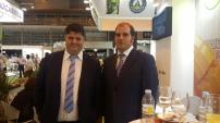 francisco-alba-concejal-de-agricultura-almunecar-y-frutas-manzano-en-fruit-attraction-madrid