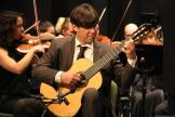joaquin-clerch-durante-la-actuacion-con-la-orquesta-sinfonica-ciudad-de-atarfe-en-almunecar-16