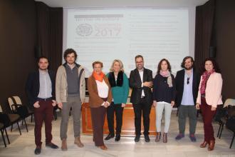 ALCALDESA Y CONCEJALA DE CULTURA JUNTO AL DIRECTOR OSCA Y ARTISTAS ASISTENTES AL ACTO 17