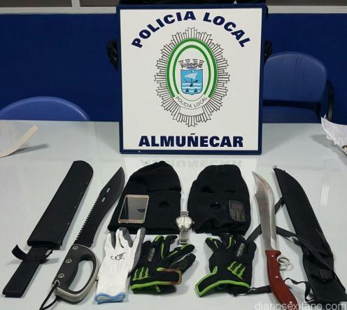 MATERIAL INCAUTADO A LOS DETENIDOS POR POLICIA LOCAL 17
