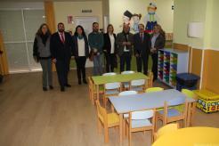AUTORIDADES EN MOMENTO VISITA CENTRO INFANTIL LOS MARINOS 17