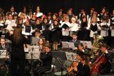 COROS Y BANDA DE MUSICA DURANTE CONCIERTO EN ALMUÑECAR 17