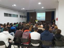 POLICIA LOCAL DURANTE LAS CHARLAS INFORMATIVAS EN IES SEXITANOS 17 (2)