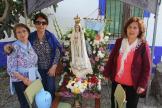 ASISTENTES A LA ROMERIA JUNTO A LA VIRGEN 17