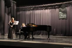 CONCIERTO DE VIOLIN Y PIANO ANOCHE EN ALMUÑECAR CERRO TEMPORADA JUVENTUDES MUSICALES 17