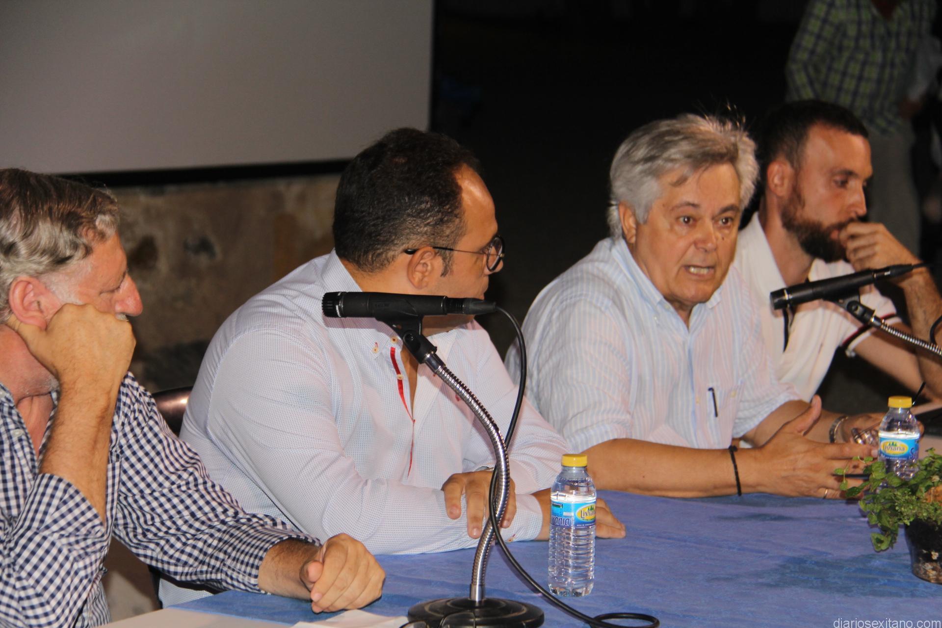 ANTONIO JARA DURANTE SU INTERVENCION EN EL ACTO 17