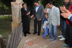 MANUEL CURAO TRAS DESCUBRIR SU NOMBRE Y FIRMA EN EL CAMINO EL FLAMENCO ALMUÑECAR 17