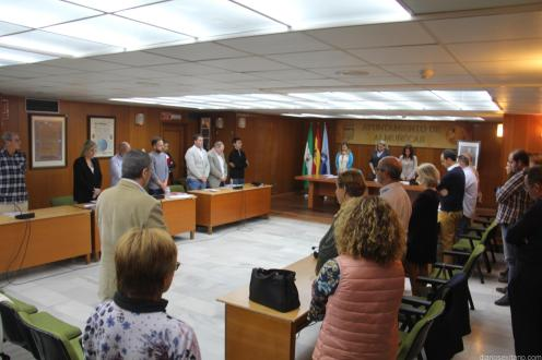 PLENO GUARDO UN MINUTO DE SILENCIO POR EL EXCONCEJAL JOSE MANUEL RIVAS CASTILLO 18