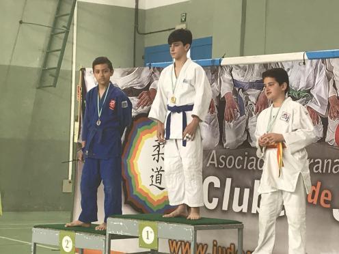 Judoca sexitano en el podio en Armilla 18