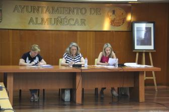 ALCALDESA SECRETARIA E INTERVENTORA PLENO PRESUPUESTOS ALMUÑECAR 18