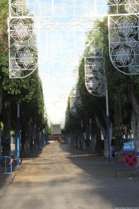 MONTAJE ALUMBRADO CALLE FERIAL ALMUÑECAR 18
