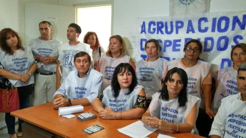Despedidos de Alpargatas armaron agrupación para luchar por reinsertarse laboralmente
