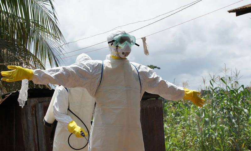 Voluntario en trabajo de tratamiento de ébola en Sierra Leona