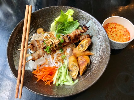 Bun Thit Nuong Cha Gio (Vermicelli with grilled pork skewer and egg rolls)