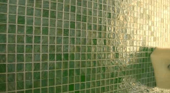 Mosaic installation featuring Litokol Starlike