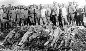 Ushtarë të vdekur të Regjimentit të 8 të Çekosllovakisë pas betejës në frontin Usurijski. WIKIPEDIA
