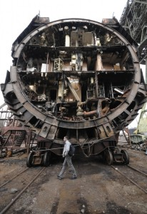 Nëndetësja bërthamore gjatë çmontimit, 26 prill 2010. REUTERS/Yuri Maltsev