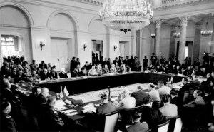 Traktati i Mbrojtjes së Përbashkët mes vendeve Komuniste u firmos më 14 maj 1955