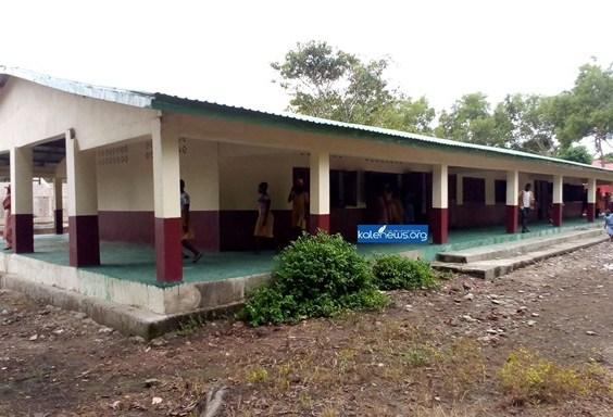 Boké : l'école primaire de Kanfarandé bénéficie d'une rénovation et de deux forages