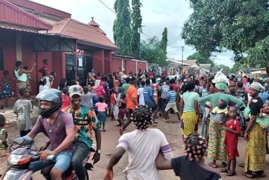 Manifestations à Matoto: Kory Kondiano empêché de sortir de son domicile par ses voisins