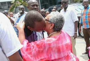 Uhuru-and-wife kiss