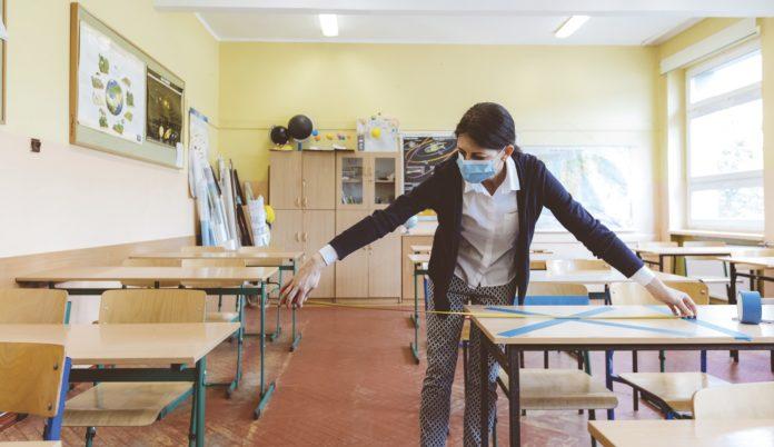 """Axel Kicillof anunció este martes que presentará una propuesta en el marco del Consejo Federal de Educación para """"generar una mayor frecuencia en la presencialidad de las clases"""""""