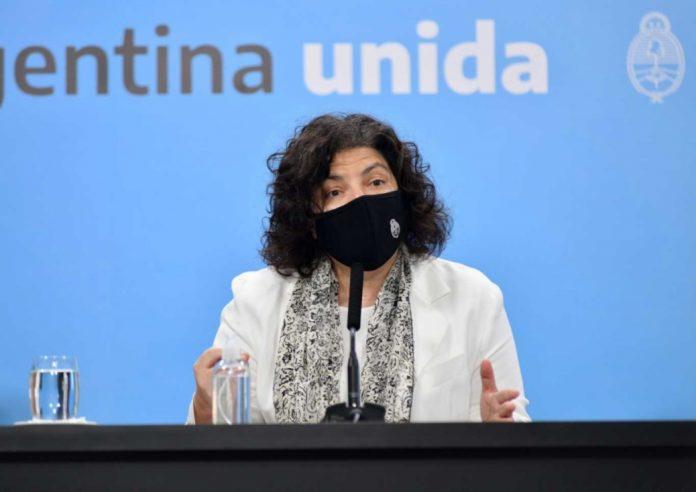"""La ministra de Salud nacional, Carla Vizzotti, dijo este lunes que la variante Delta """"está cerca de tener circulación comunitaria"""" en el país"""