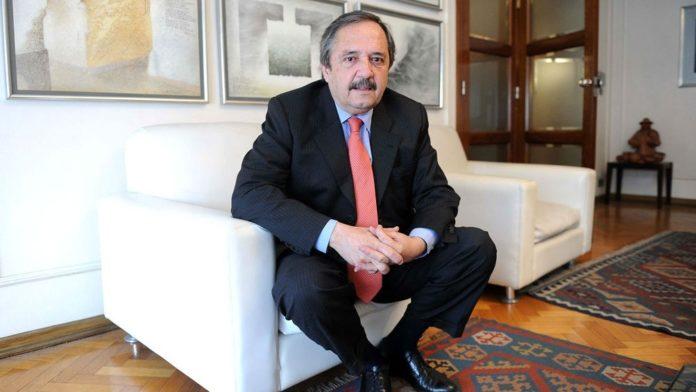 El embajador argentino en España, Ricardo Alfonsín, criticó en duros términos a la actual conducción de la Unión Cívica Radical (UCR)