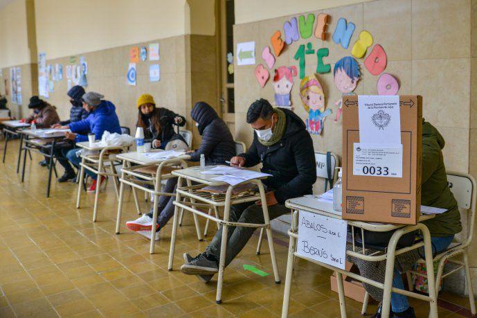 Confirman que personas contagiadas o aisladas podrán ir a votar pero están eximidas de la obligatoriedad