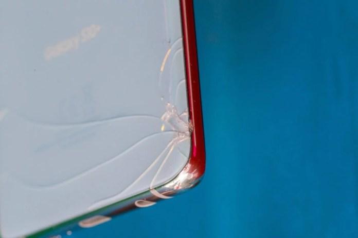 Troca a tela de seu smartphone pode compensar na hora da venda