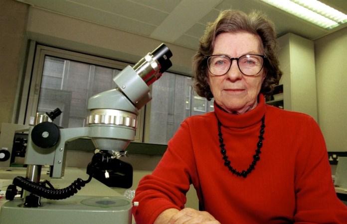 Anne McLaren nasceu em Londres neste dia 26 de abril de 1927.