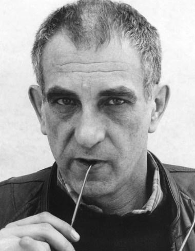 Krzysztof Kieślowski cinesta e roterista aclamado em todo mundo. Image: Ilustração
